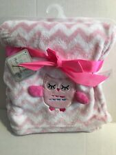 le bebe Soft & Cuddly Pink/ White Chevron Fleece Blanket - Embroidered Owl