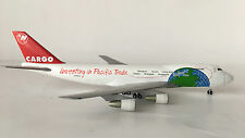 """Herpa 1/400 Boeing 747-200 Northwest Cargo """"investing in Pacific Trade"""" NUOVO"""