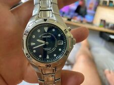 """Seiko kinetic men""""s watch in very good condition,minor scratch , needs battery"""