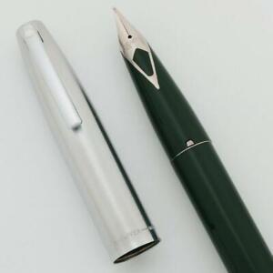 Sheaffer 440 Fountain Pen - Green, Medium Short Diamond Nib (New Old Stock)