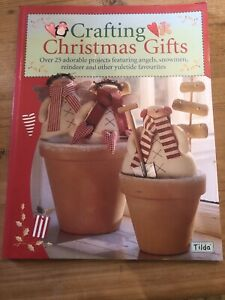 Crafting Christmas Gifts: 25 Adorable Projects Featuring Angels, Snowmen, Reinde