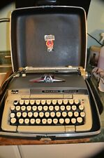 Vtg. SCM SMITH-CORONA Galaxie Deluxe Manual Typewriter / Black Hard Case