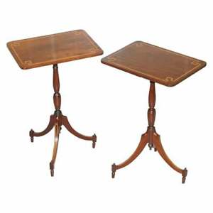 PAIR OF VINTAGE FLAMED WALNUT & INLAID REGENCY STYLE TRIPOD SIDE END LAMP TABLES