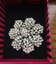 (New & Boxed) Rrp £15.00 Silver Floral Brooch From Jon Richards