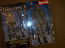 SOLDIERS OF THE WORLD 12inch desert storm infantry & footlocker