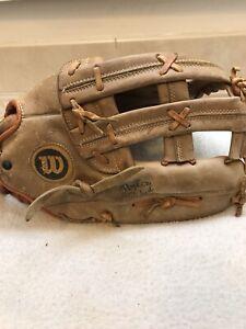 "Wilson A9810 13""5"" Baseball Softball Glove Right Hand Throw"