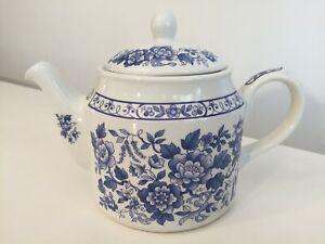 Vintage SADLER Blue/White Floral Teapot 1.5 pints VGC