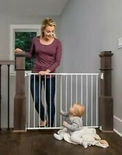 *** BRAND NEW*** Regalo Top Of Stair Safety Gate