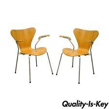 Pair of Danish Modern Fritz Hansen Arne Jacobsen Knoll Series 7 Arm Chairs A