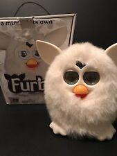 Hasbro Furby 2012 White Yeti LED LCD Eyes RARE!
