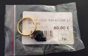 Bague tete de mort noire en resine Les Bijoux De Sophie