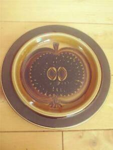 """ARABIA OF FINLAND BROWN AND GOLD FRUCTUS 8"""" SALAD PLATE HALF APPLE NICE"""