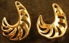 Golden fashion earings