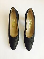 64808 SALVATORE FERRAGAMO Womens Black/Gold Pumps Size 8 AAA