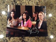 DESPERATE HOUSEWIVES -  SIGNED BY THREE - 8 x 10 COLOR PHOTO - COURT SCENE - COA