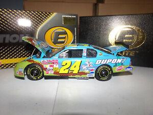 1/24 JEFF GORDON #24 DUPONT / LOONEY TUNES REMATCH  ELITE  2002 ACTION NASCAR