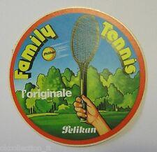 VECCHIO ADESIVO ORIGINALE / Old Sticker PELIKAN FAMILY TENNIS (cm 9)