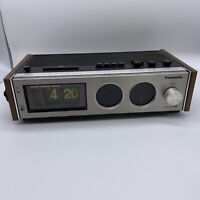 Panasonic Flip Clock Vintage AM /FM Radio, Alarm Clock Black Light RC-7462 Works