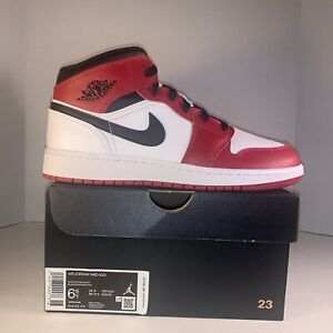New Air Jordan 1 Mid Chicago White Black Red 554725 MISMATCH Youth Size 6 & 6.5