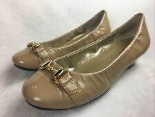 Me Too 'Mica' Womens 7.5 M Low Pumps Heels Beige Patent Leather Excellent!