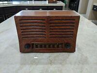 Vintage 1952 Emerson Tube AM Radio, Model 702B -== Restored==-