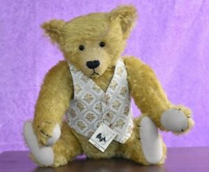 Whittle-Le-Woods Bears Duncan by Mike & Irene Whittle OOAK Tagged