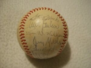 1981 CHICAGO CUBS TEAM AUTOGRAPHED BASEBALL LEE SMITH ROOKIE++  24 TOTAL AUTOS