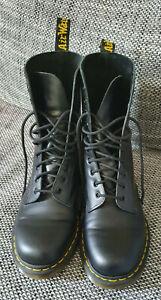 schwarze Dr. Martens 1490 (10 Loch) Stiefel Boots (EU 41 / UK 7)