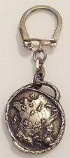 porte clef vintage Argenton couleur argent sujet ville de la France émail 3551
