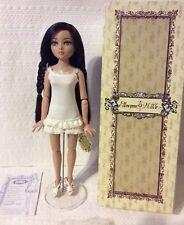 LE HTF Essential Ellowyne Wilde, Four - Brunette - Wilde Imagination Tonner Doll