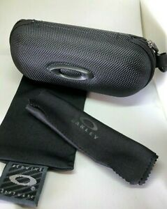 Brand New Oakley sunglasses Hard Zipper Case w/ cleaning cloth and dust bag