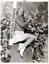 1941 Beautiful Young Blonde Hair Woman Cheesecake Short Skirt Photo 7x9 Original