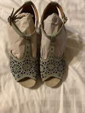 Earthies Leather Casella Wedge Heel Sandal Fern Size 9 B Never Worn FREE SHIP