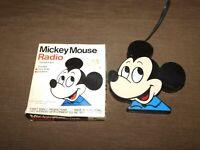 VINTAGE WALT DISNEY MICKEY MOUSE TRANSISTOR RADIO IN BOX