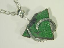 BUTW Hammered Sterling wire wrapped Natural Russian Uvarovite drusy 0301E