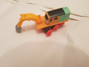 Thomas The Tank Engine & Friends WOODEN OLIVER EXCAVATOR DIGGER WOOD COMB POST