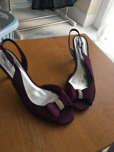 Plum Glossy high heeled Peep Toe sling backs, size 8 41