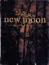 The Twilight Saga: New Moon Two-Disc DVD Gift Set With Charm Necklace [New]