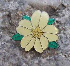 Beautiful Primula vulgaris English Primrose Summer Flower Brooch Pin Badge