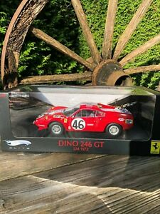 Roter Ferrari Dino 246 GT Hot-Wheels Elite 1/18 in OVP Top-Zustand LM 1972