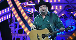 GARTH BROOKS LIVE AT NOTRE DAME DVD, 2018, Rare Promotional DVD, CBS SPECIAL