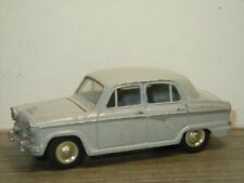 Nissan / Austin A50 Cambridge Deluxe - Model Pet 8 Japan *39781