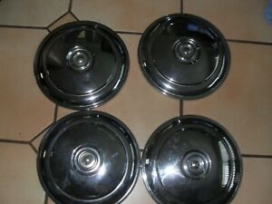 RENAULT 8,CARAVELLE,FLORIDE NICE USED SET OF 4 ORIGINAL HUBCAPS DRIVERS QUALITY
