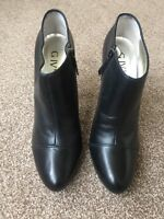 Give - Size EU 40 UK 7 - Ladies Black Stiletto Ankle Boot Shoe Boot Holly Xmas