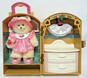 """2000 Fisher-Price BRIARBERRY COLLECTION CARRY CASE w/BERRYLOUISE 9"""" Plush Bear"""