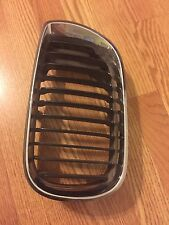 2006 X5 BMW original left hood grille
