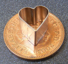 1 x Small Heart Leaf Clay Cutter Dolls House Miniature Sugarcraft Accessory MS