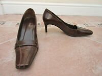 Kaliko - Womens Rich Brown Leather Court Shoes - size 38 / 5