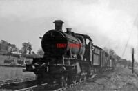 PHOTO  GWR 43XX NO 6342 1950 AT KINGS SUTTON RAILWAY STATION DOWN GOODS CL.K