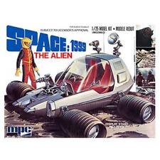 """Space 1999 ~ """"THE ALIEN"""" Moon Buggy ~ 1:25 Scale Model Kit by Round2 Models 2013"""